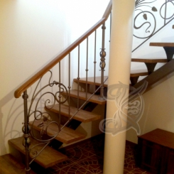 Кованая лестница с площадкой ККЛ_4