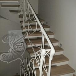 Кованая лестница с деревянными ступенями ККЛ_1
