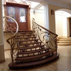 Кованая лестница с коваными подступенками ККЛ_19