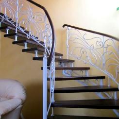 Кованая лестница с поворотом ККЛ_7