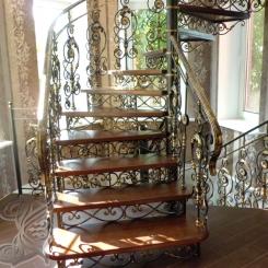 Кованая винтовая лестница КВЛ_11