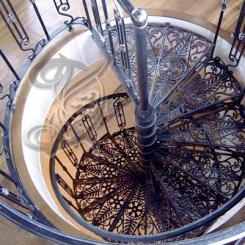 Кованая винтовая лестница КВЛ_6
