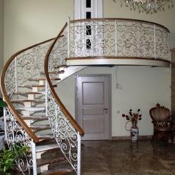 Кованая винтовая лестница КВЛ_15