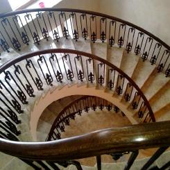 Кованая винтовая лестница КВЛ_16