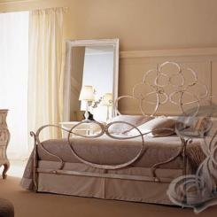 Кованая кровать античная бронза КК_17