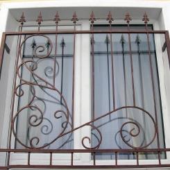 Кованые решетки на окна КР_121