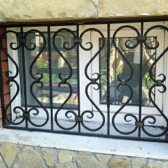 Кованые решетки на окна КР_136
