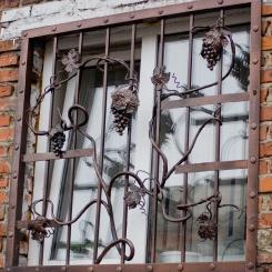 Кованые решетки на окна КР_56